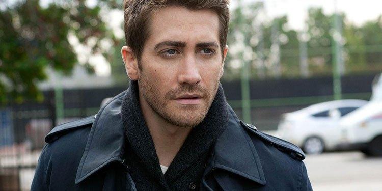 Jake Gyllenhaal Is In For Life With Ryan Reynolds & Rebecca Ferguson ...